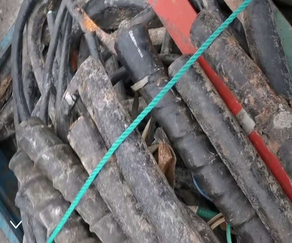 How much money can Jinzhong recover from waste wires, cables and wires?